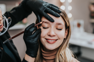 microblading vs eyebrow tattoo