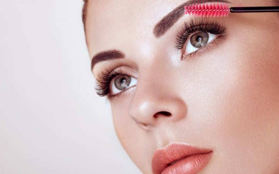 Eyelash Extension Aftercare and how lashes last longer